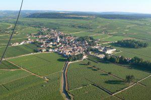 Vol en montgolfière au-dessus des Climats du Vignoble de Bourgogne de la Côte de Beaune