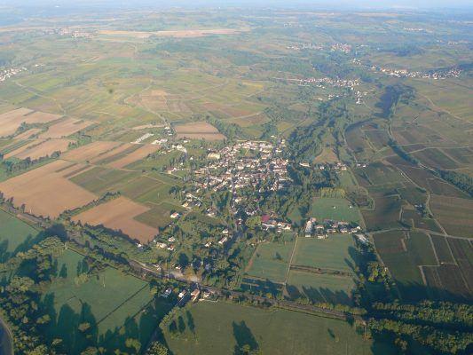 Vol en montgolfière sur les vignes des Maranges en Bourgogne