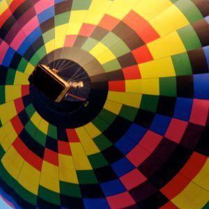 La montgolfière Arlequin prenant son envol