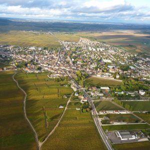 En montgolfière au-dessus des vignes de Nuits-Saint-Georges